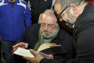 El Comandante en Jefe Fidel Castro vivito  y coleando entre nosotros.