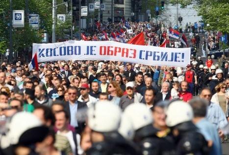 Kosovo de mayoría de origen albanés autoproclamó su independencia con respaldo activo de EE.UU. y Occidente y en contra de la opinión de Rusia. Foto: © REUTERS Djordje Kojadinovic