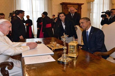 Se acordará el presidente Obama del pedido del Papa de impulsar la paz en el mundo y no más guerras o cambios de gobiernos que provocan guerras