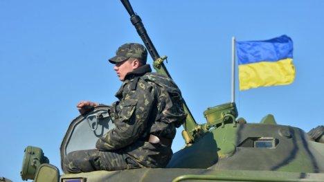 Ucrania moviliza su maltrecho ejército hacia el este en dirección a la frontera con Rusia.