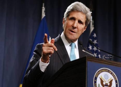 Al gobierno de EE.UU. le encanta hablar en el lenguaje de las saciones. ¿Qué pasará el día que los sancionen a ellos?. El secretario de Estado de EE.UU. John Kerry, tras la cumbre de Ginebra el pasado 17 de abril.AFP PHOTO / POOL / JIM BOURG.