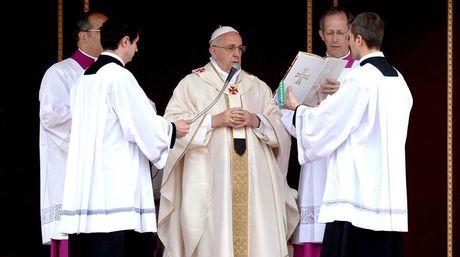 Juan Pablo II y Juan XXIII han sido proclamados santos este domingo. fOTO: EFE.