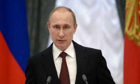 El presidente ruso alerta a Europa Occidental de posibilidad de interrumpir suministros de gas, debido a crisis de impagos de Ucrania.