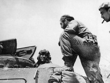 Fidel dirigiendo los combates en Playa Girón.
