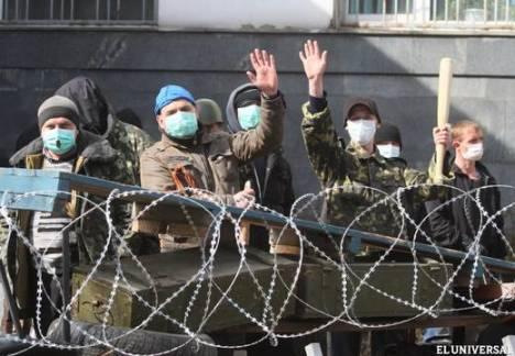 Manifestantes prorrusos exigen dimisión del Gobierno. Foto: AFP.