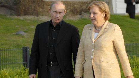 El presidente Putin y la canciller Merkel.
