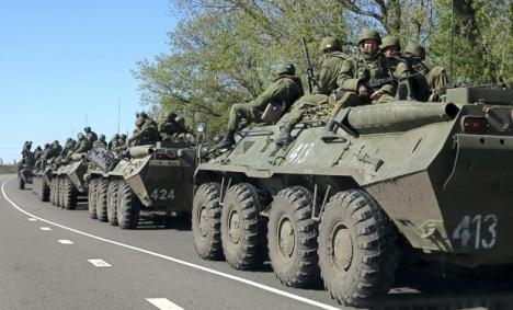 Tropas rusas se repliegan de la frontera con Ucrania.