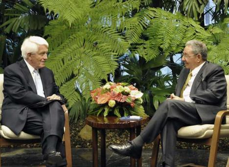 y el presidente cubano Raúl Castro Ruz. Foto: Estudio Revolución.