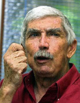 """Uno de los principales y más activos terroristas internacionales de la """"Fundación Nacional Cubano Americana""""."""
